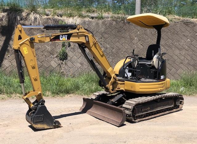 日本キャタピラー CAT ミニ油圧ショベル 303CR 建設機械